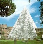 Piramide Cestia, dopo il restauro.